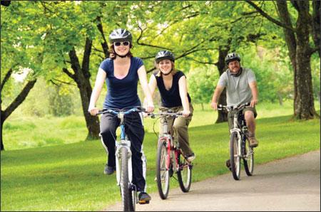 Đi xe đạp giúp nâng vòng 3 lên đáng kể