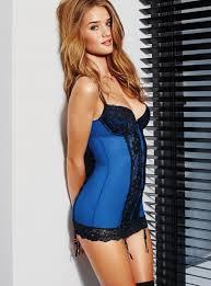 Cô siêu mẫu gợi cảm của Victoria's Secret có 1 vòng 3 hoàn hảo