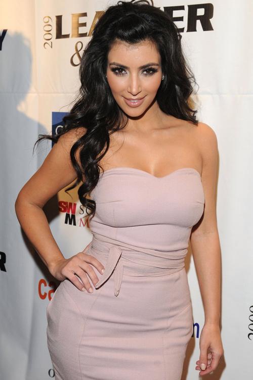 """""""Bí kíp"""" sở hữu vòng 3 đẹp quyến rũ như Kim Kardashian1"""