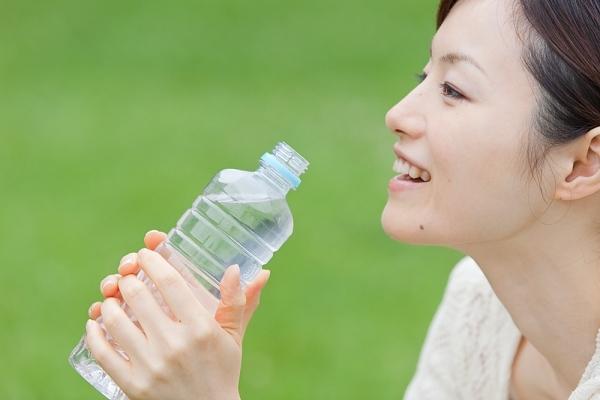 Cung cấp nước đây đủ cho cơ thể là cách giúp bạn có 1 cặp mông hoàn hảo