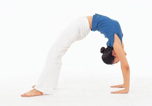 Vòng 3 như ý với bài tập yoga cho vẻ đẹp tuổi tứ tuần2