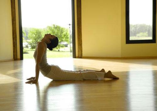Vòng 3 như ý với bài tập yoga cho vẻ đẹp tuổi tứ tuần3