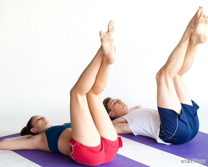 Đùi thon, mông đẹp với động tác nâng chân