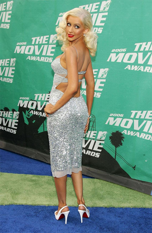 Christina Aguilera cô hạnh phúc vì sở hữu vòng 3 đẹp